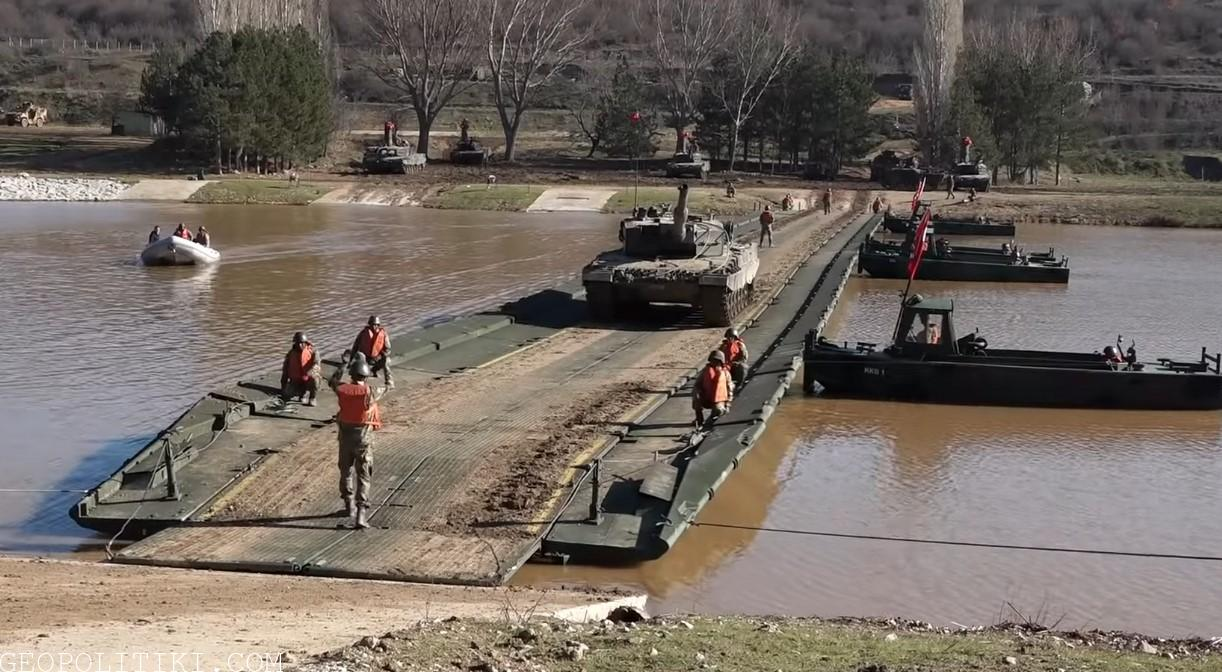 Turkish army exercise simulates invasion of Evros river