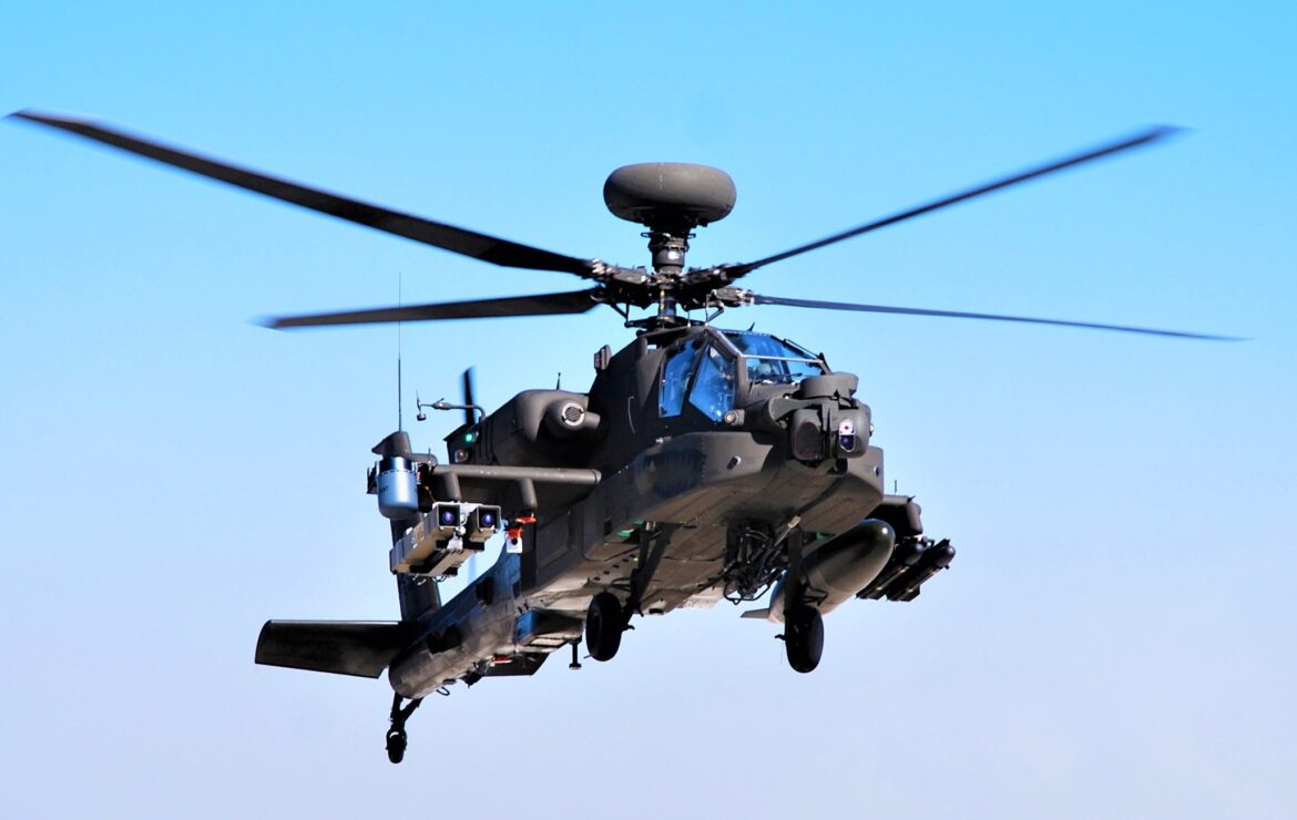 US AH-64 Apache armed with Spike NLOS missiles destroy target from 32 Km