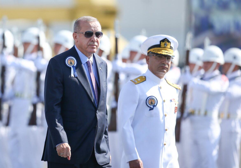 103 Turkish admirals against Erdogan