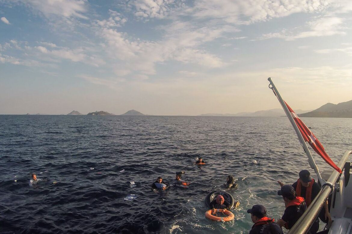 Turkish attempt to push immigrants to Greece, blocked by Hellenic Coastguard