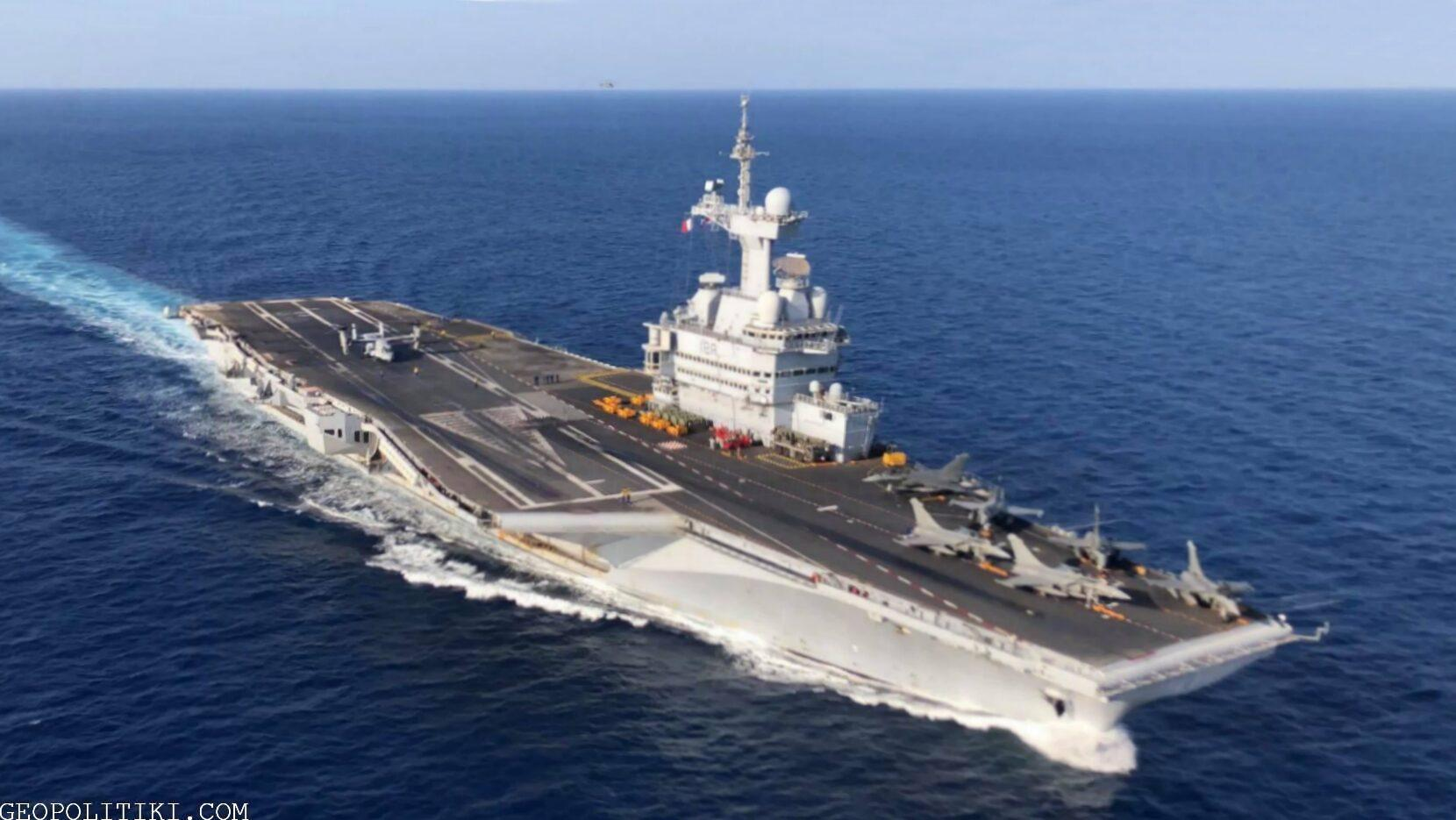 """The powerful French carrier """"Charles de Gaulle"""" docks in Cyprus"""